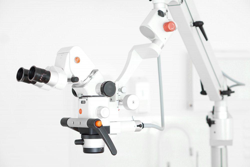 Mikroskop zabiegowy firmy KAPS - Laserdent - gabinet stomatologiczny - dentysta, stomatolog Opole