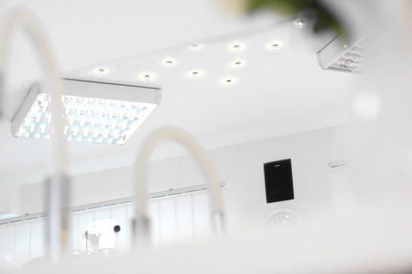Starannie dobrane normy oświetlenia gabinetów zabiegowych - Laserdent - gabinet stomatologiczny - dentysta, stomatolog Opole